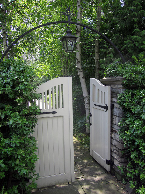 'Garden Days' - June 13, 14 & 15 - are the ideal time to see what lies beyond your nearest public garden's gate. Photo: Tara Nolan
