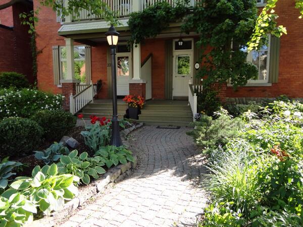 Russell Ave In Ottawa Past Winner Of Canada's Best Garden Street