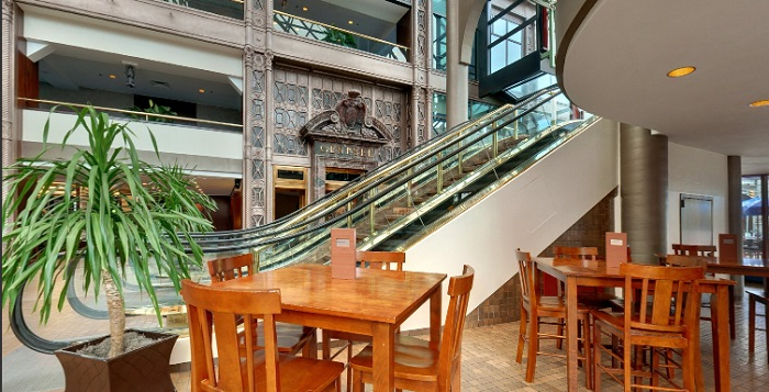 What a great lobby! Downstairs to The Atrium Bar and Bistro.