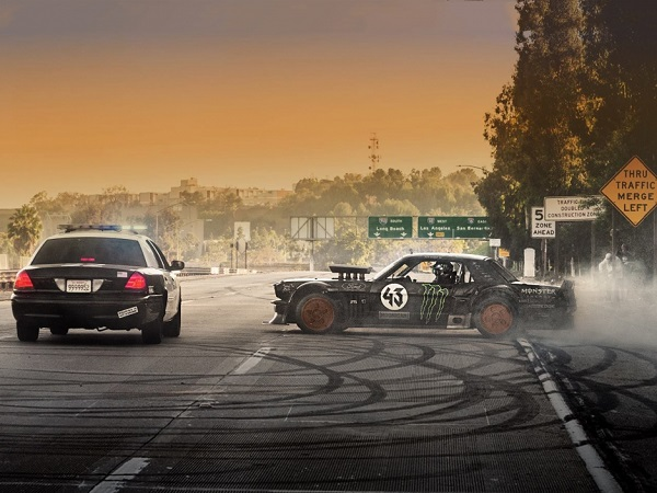 Tech and cars go together: the Hoonicorn RTR, the famous hybrid race and demo car.