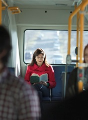 reading-on-the-bus